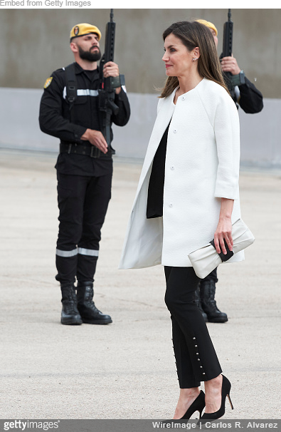 Queen Letizia visits Military Emergencies Unit