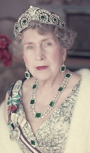 Queen Victoria Eugenia of Spain (Ena) wearing Cartier Tiara with emeralds