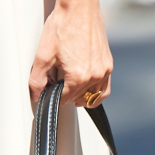Queen Letizia wears Karen Hallam gold-plated signature ring