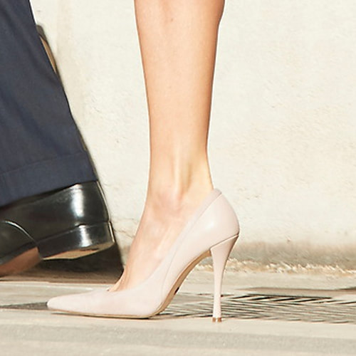 Magrit 'Ivonne' pumps