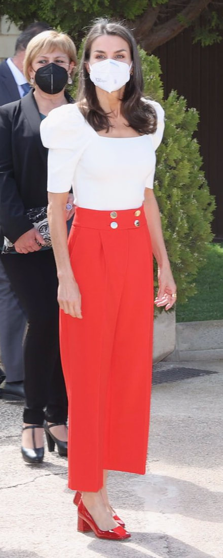 Queen Letizia attends FEDER Educational Congress on 30 April 2021