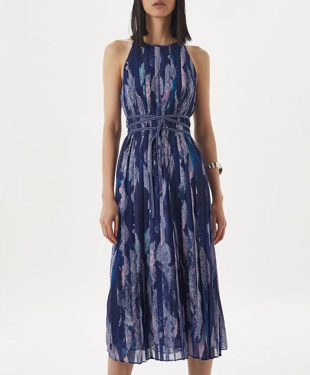 Adolfo Dominguez pleated dress with chalk effect print