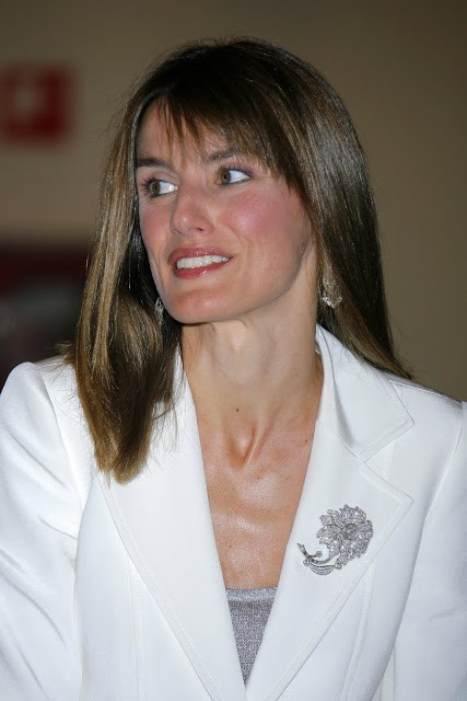 Letizia wears Queen Sofia's diamond floral brooch