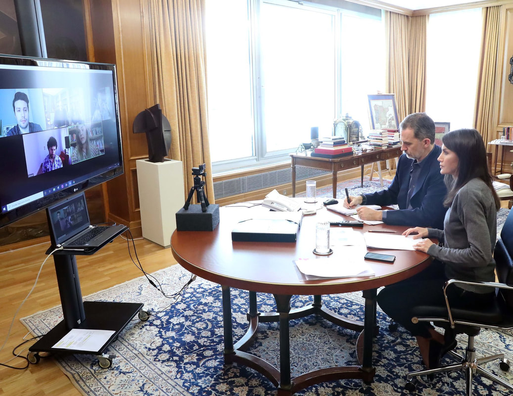King Felipe and Queen Letizia held an open meeting via video conference with representatives from the new generation of young Spanish literature.