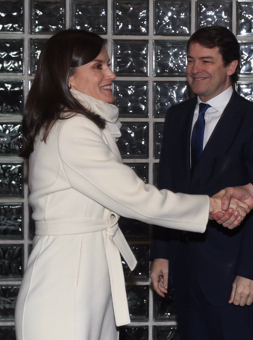 Queen Letizia wears winter white wool coat