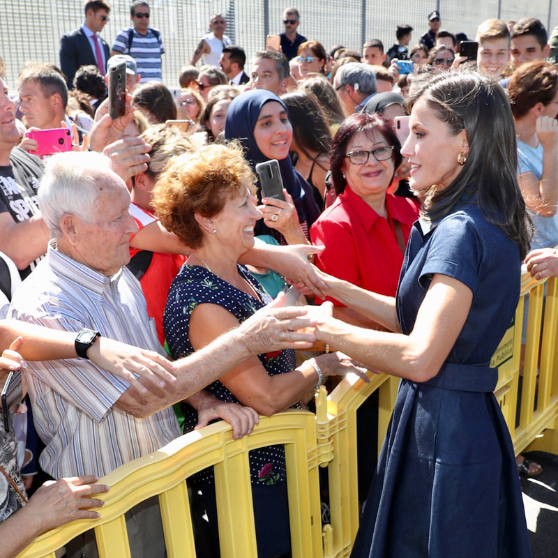 Queen Letizia greets crowds in the Alicante town of Elche