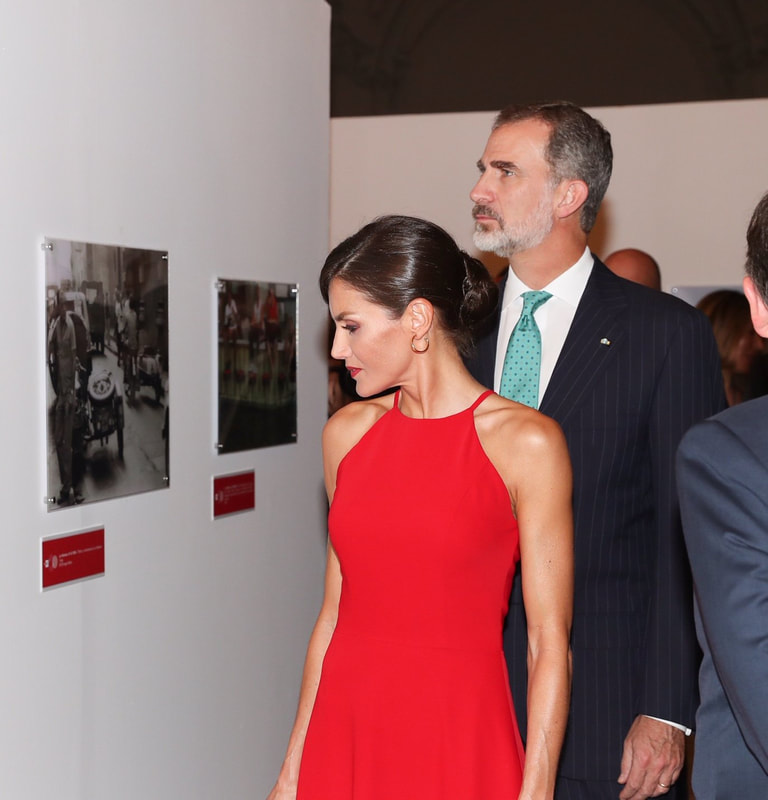 King and Queen of Spain tour photographic exhibition